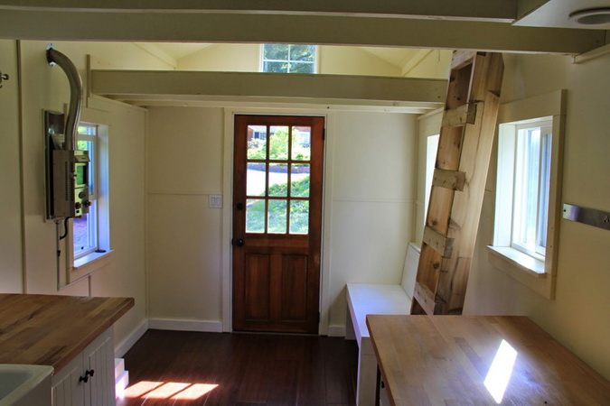 tiny-movable-wooden-house (3)