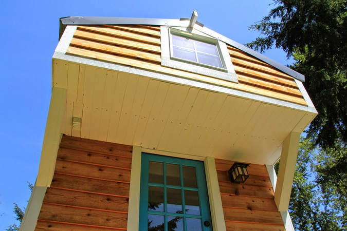 tiny-movable-wooden-house (4)