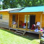 บ้านกระท่อมไม้ขนาดย่อม จัดสรรพื้นที่แคบๆได้อย่างครบครันและลงตัว