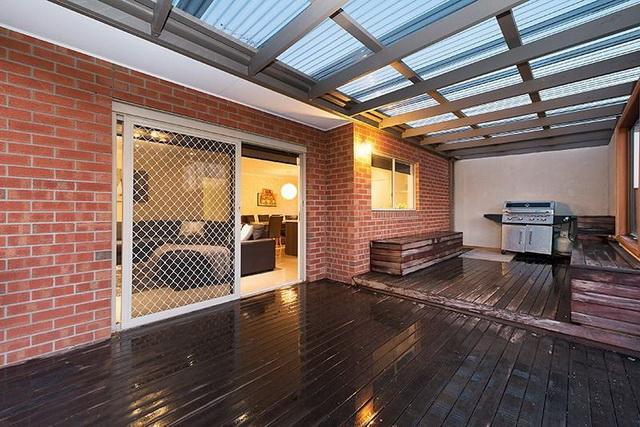 warm-tone-modern-concrete-house (3)