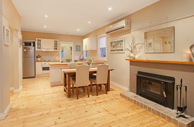 white-contemporary-cabin-cottage (12)