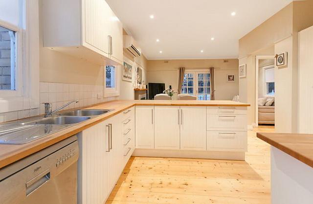 white-contemporary-cabin-cottage (3)