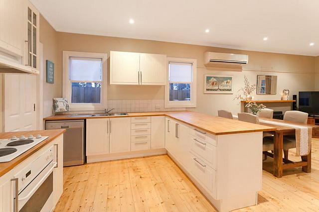 white-contemporary-cabin-cottage (4)
