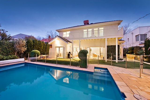 white-contemporary-elegant-house (2)