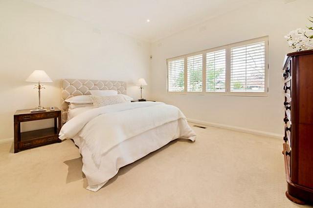 white-contemporary-elegant-house (7)