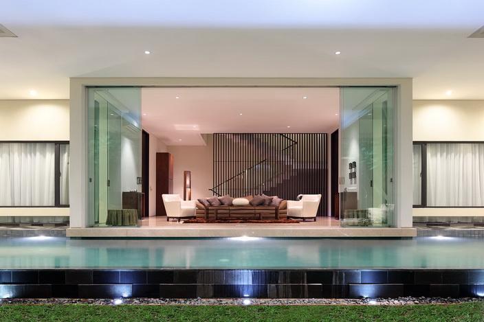 white-elegant-modern-house (38)_resize