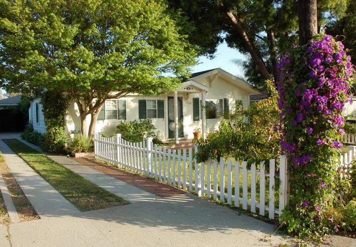 white-single-family-house (1)
