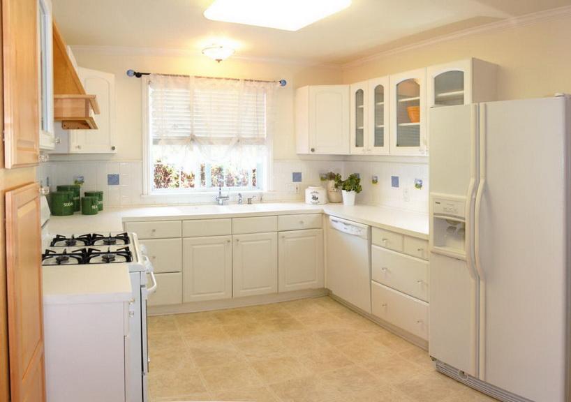 white-single-family-house (10)