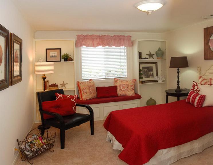 white-single-family-house (15)