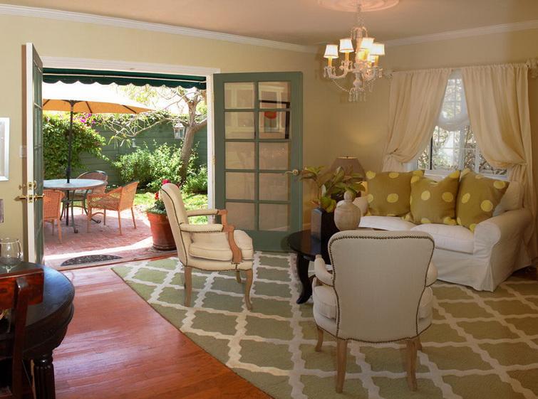 white-single-family-house (3)