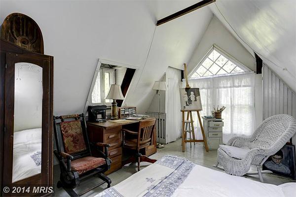 MC8406736 - 3rd Bedroom