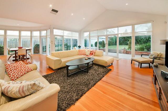 white-wooden-family-house (4)