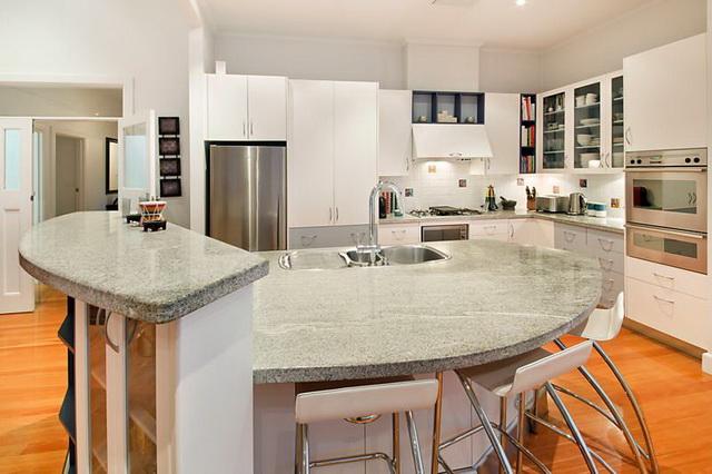 white-wooden-family-house (7)