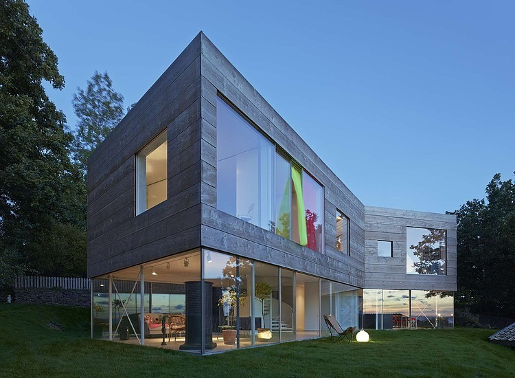 wooden-and-glass-modern-house (10)
