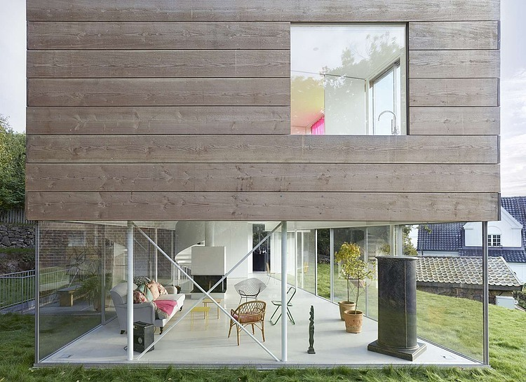 wooden-and-glass-modern-house (3)