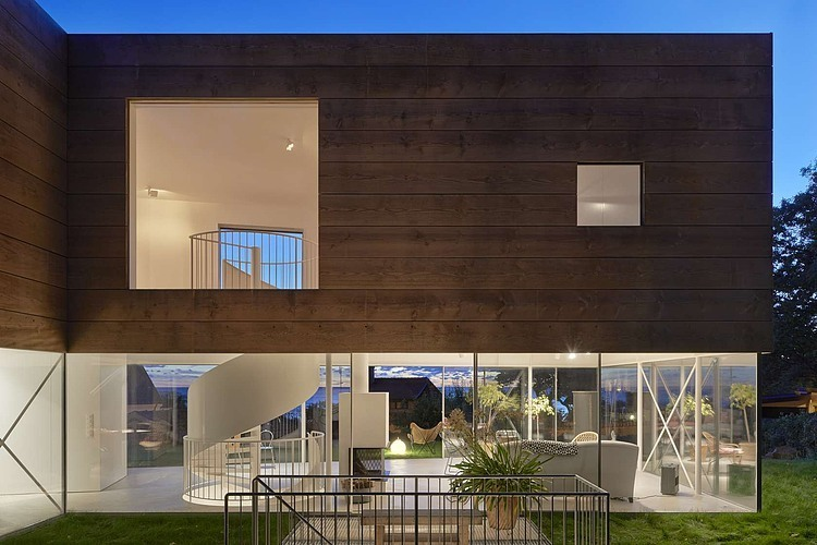 wooden-and-glass-modern-house (9)
