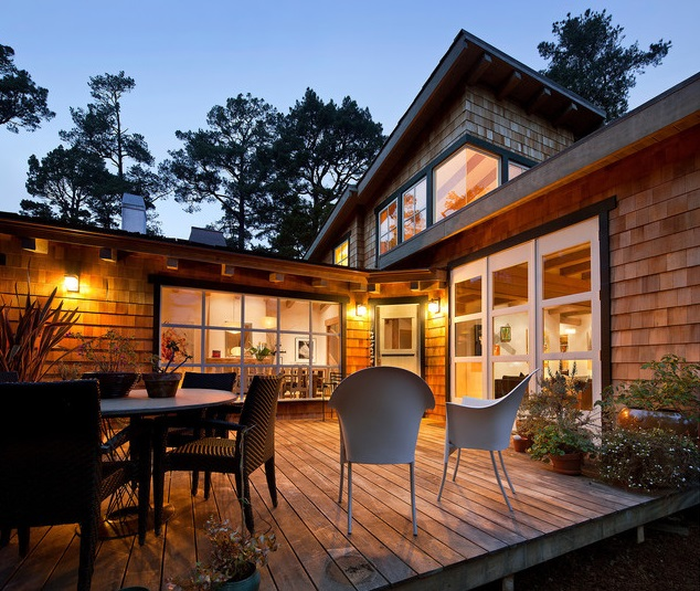 wooden cozy forest house  (2)