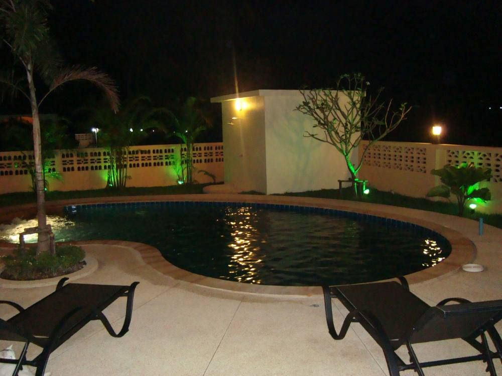 1 story plain villa house with pool (8)