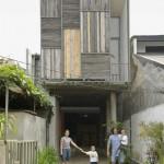 บ้านทาวน์โฮมขนาด 2 ชั้น รูปทรงทันสมัย ออกแบบก่อสร้างด้วยวัสดุง่ายๆอย่างมีสไตล์