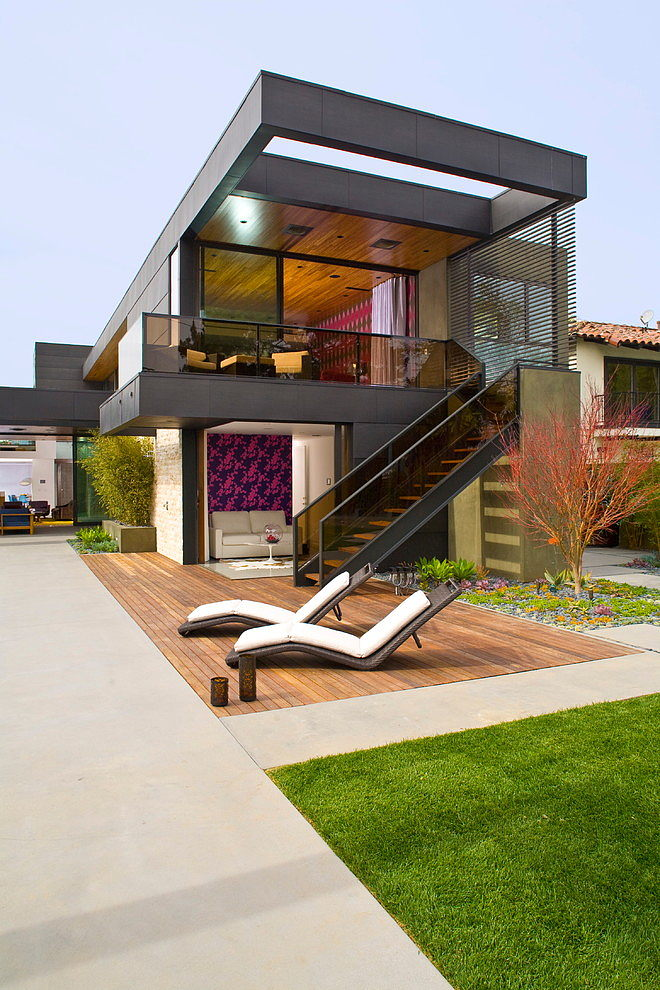 2 story modern house with stunning interior (1)