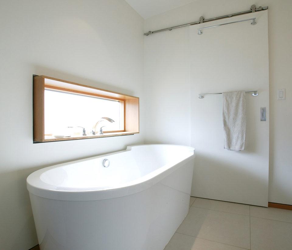 2 story modern hybrid residence (7)