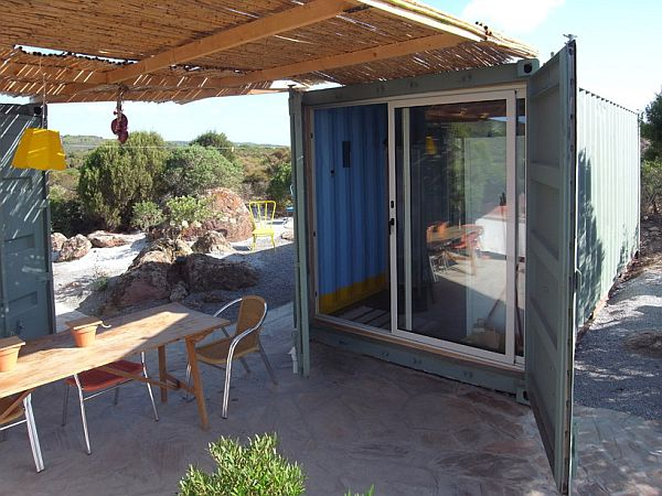 22-most-beautiful-house-from-shipping-container (131)