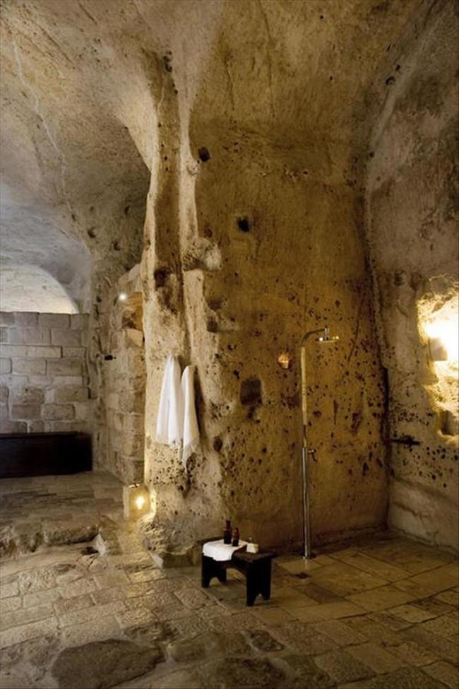 28 unique shower rooms (14)