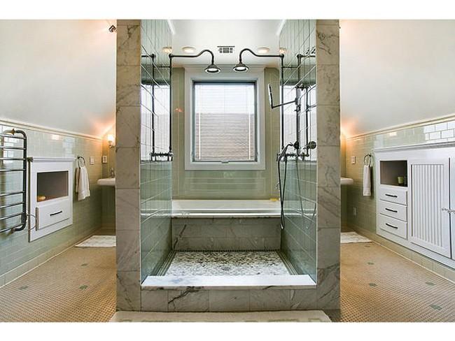 28 unique shower rooms (28)