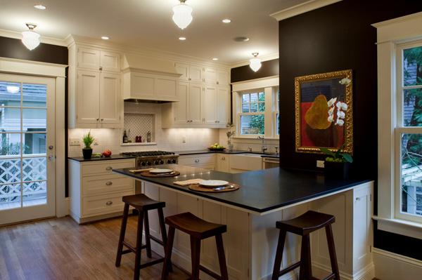 41 Sensational interiors showcasing black painted walls (15)