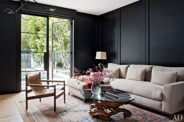41 Sensational interiors showcasing black painted walls (17)