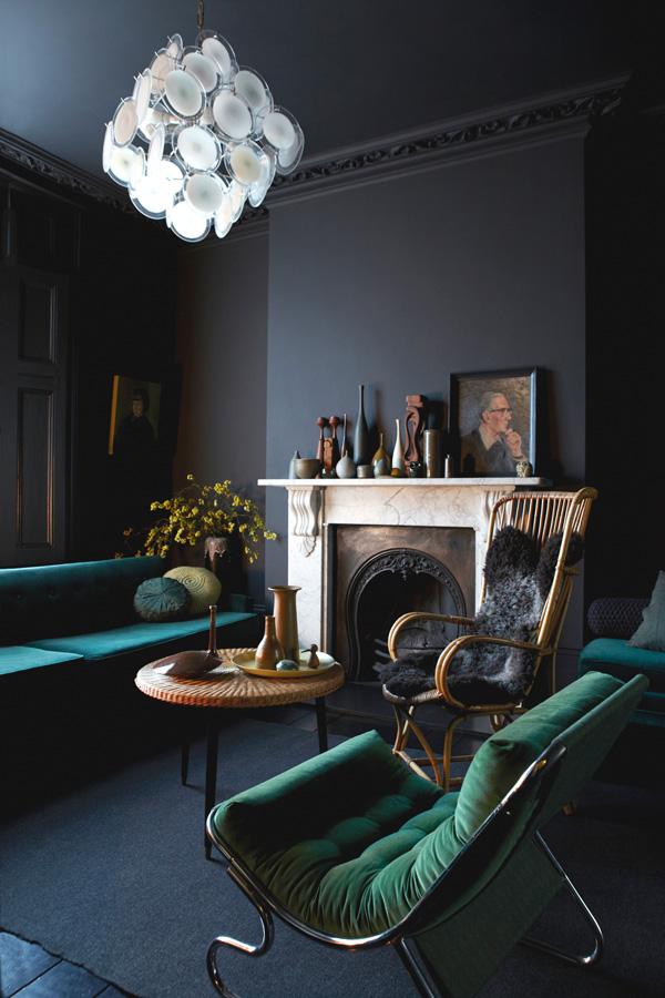 41 Sensational interiors showcasing black painted walls (37)