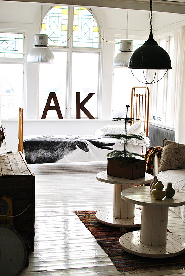 50-industrial-style-living-room-decorations (47)