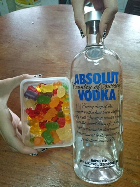 Vodka Gummy Bear (1)