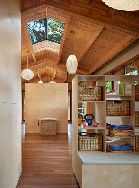 Yoga studio in woods (5)