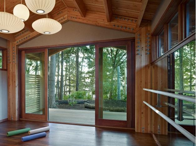 Yoga studio in woods (6)