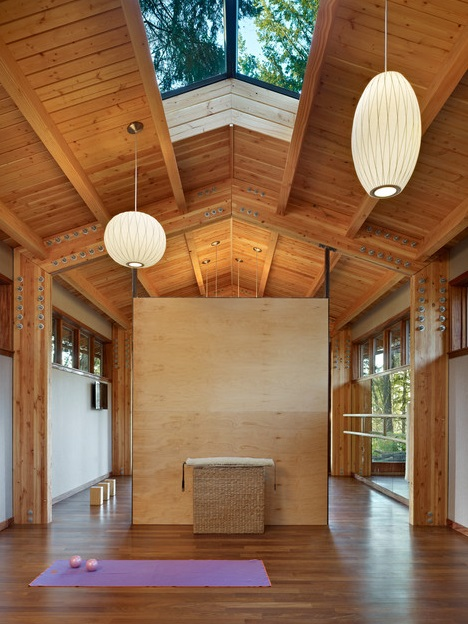 Yoga studio in woods (8)