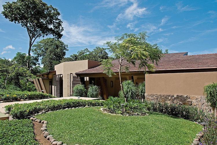 beautiful-mountain-family-modern-residence (2)