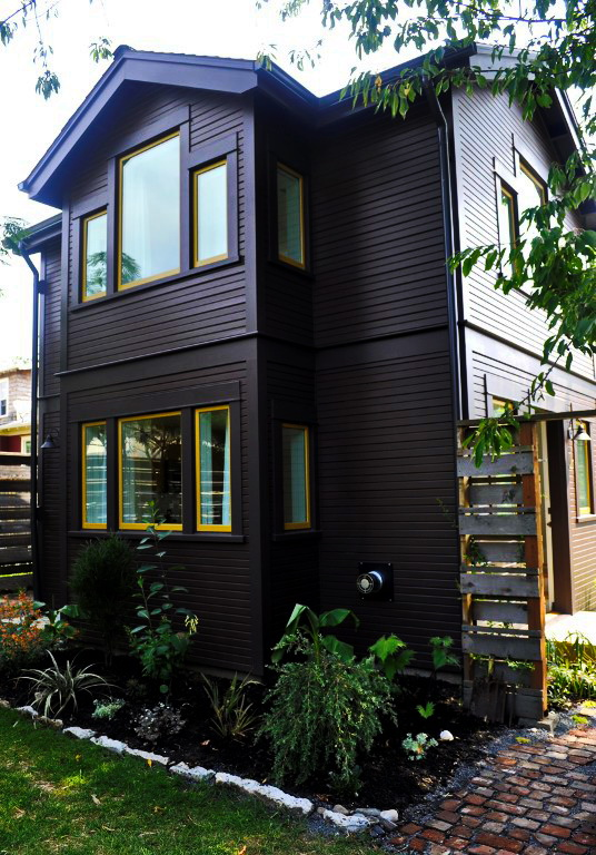 black-2-story-loft-cottage (22)