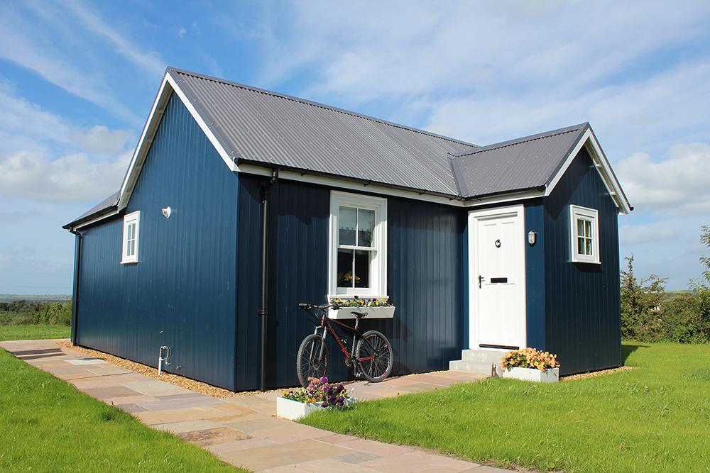 blue-compact-cottage (2)