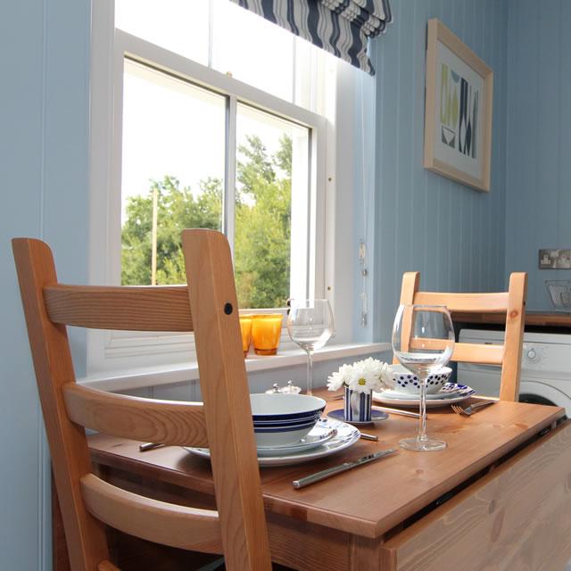 blue-compact-cottage (7)