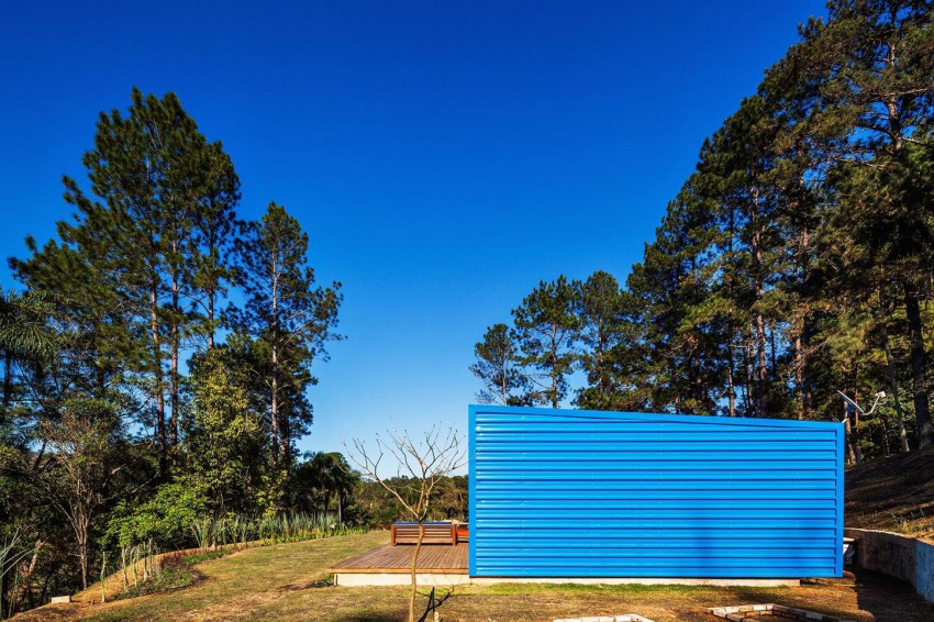 blue-modern-retreat-in-peaceful-forest (1)