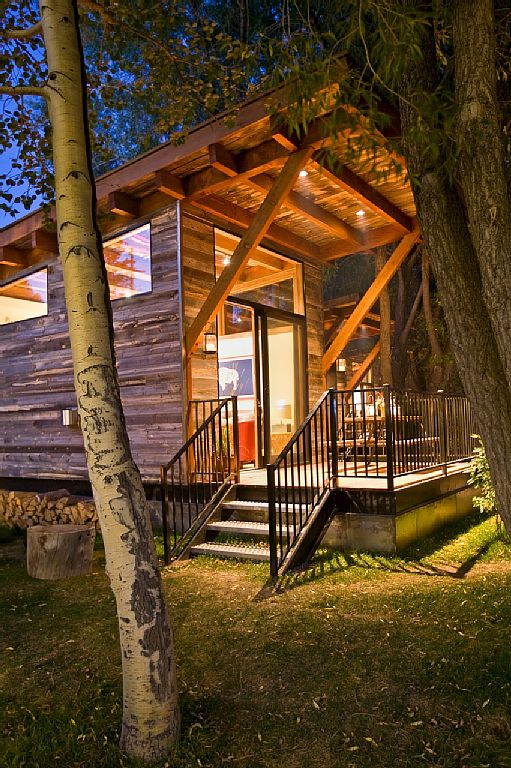 cabin-retreat-with-mountain-view (11)