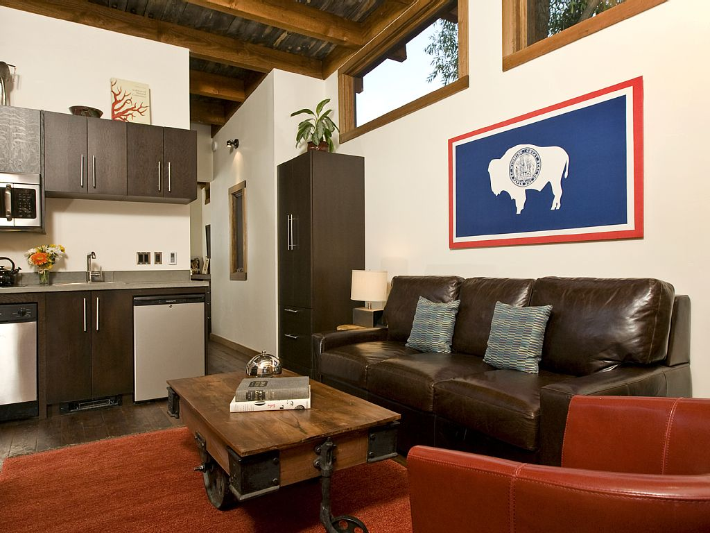 cabin-retreat-with-mountain-view (3)
