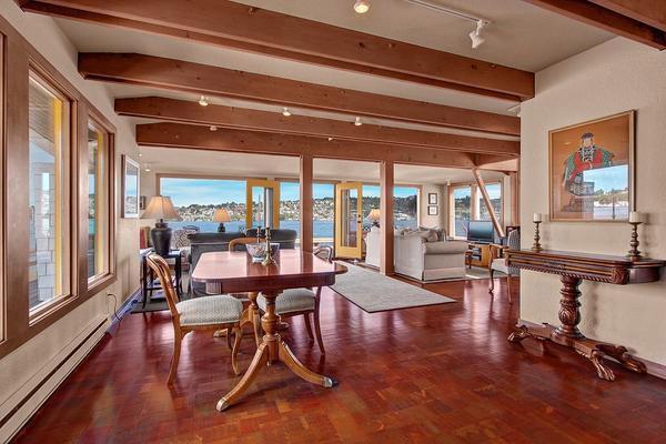charming-classic-houseboat (4)