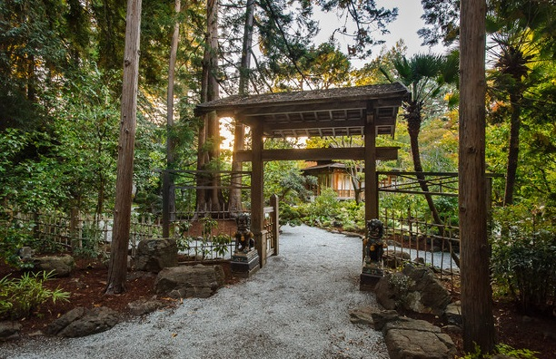 classic oriental spring house (10)