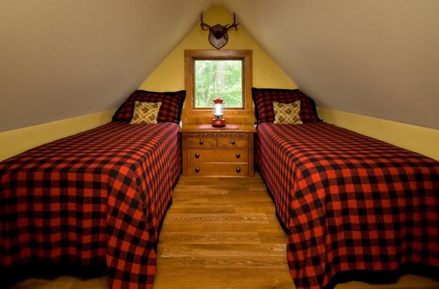 classical-rural-wooden-loft-cottage (6)