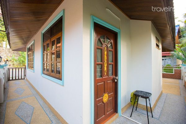 contemporary-1-story-house (12)