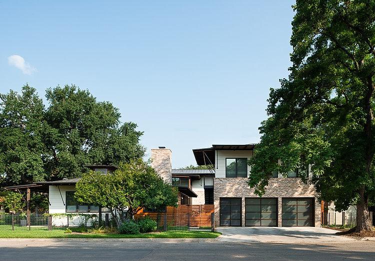 contemporary-mixed-single-family-residence (11)