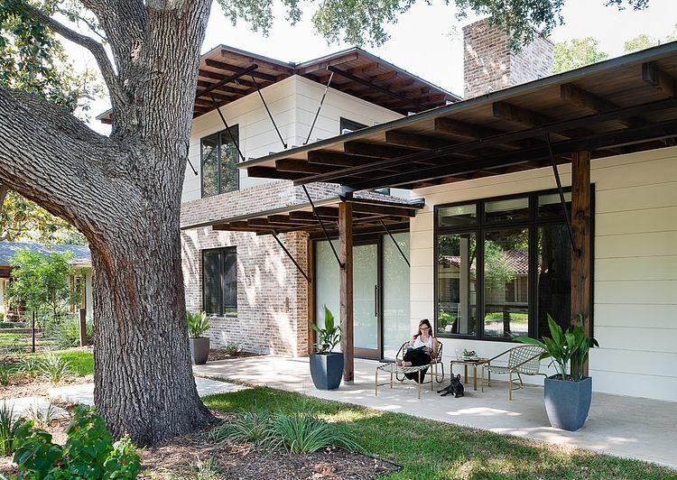contemporary-mixed-single-family-residence (14)