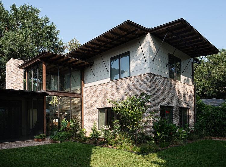 contemporary-mixed-single-family-residence (16)